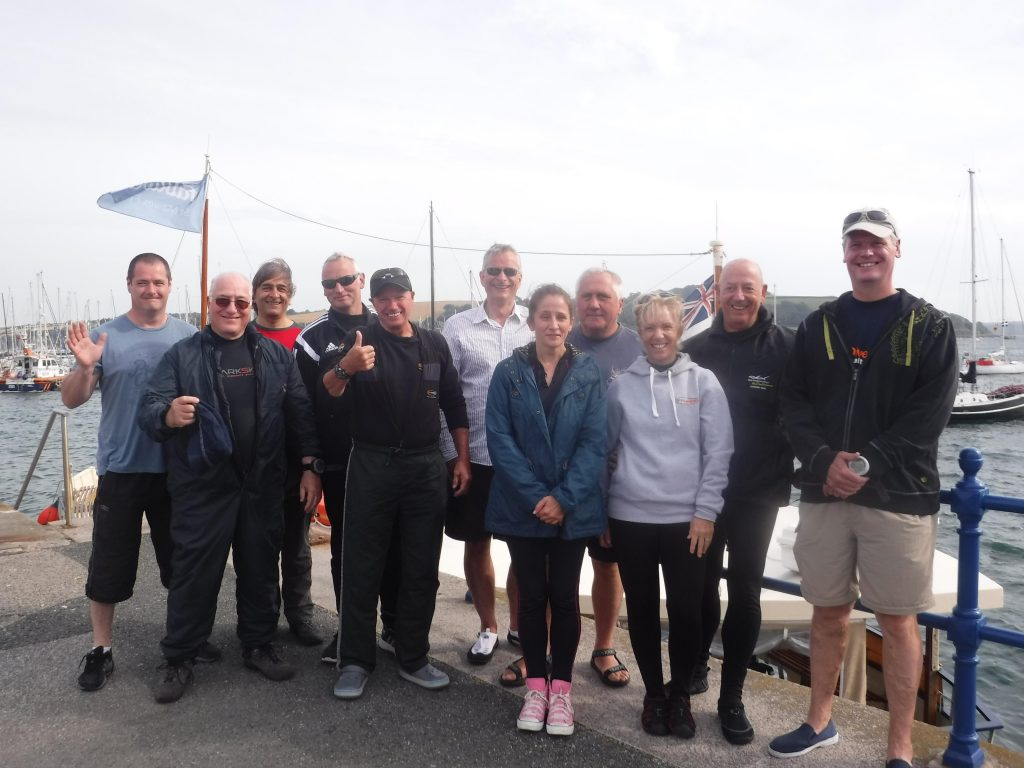 11 Members of the Kingston and Elmbridge Dive Club